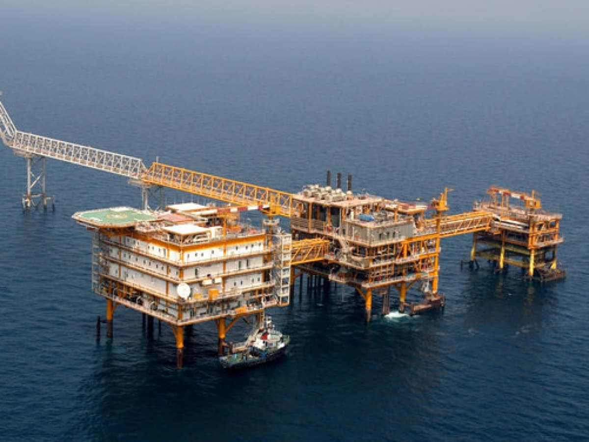 Russia Favored For Half-Trillion Dollar Iranian Oil Project