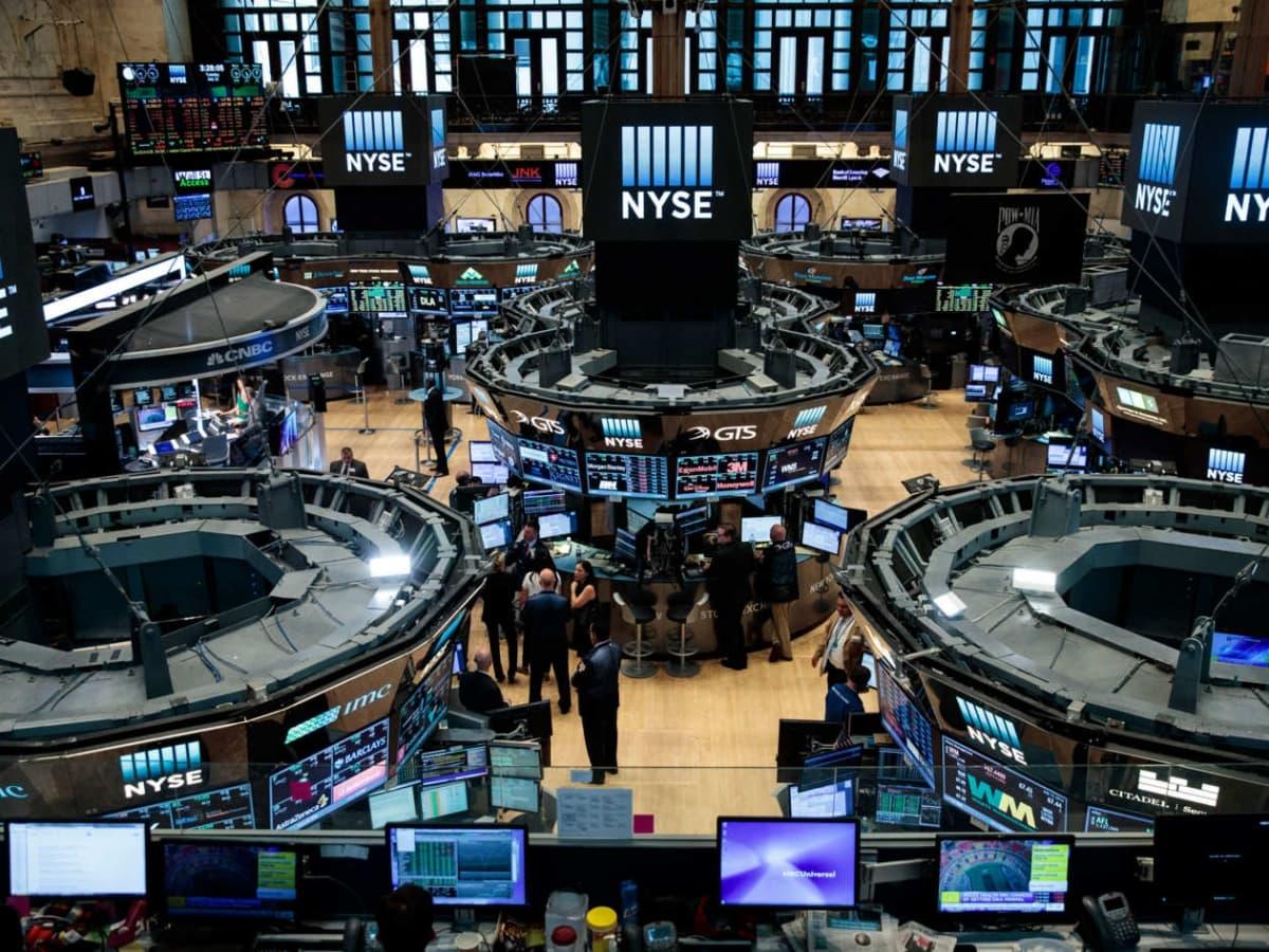 Gloomy Investor Sentiment Darkens Outlook For Oil & Gas | OilPrice com