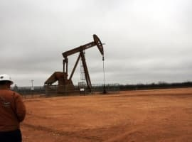 Oil Pulls Back After U.S. Rig Count Sees Significant Increase