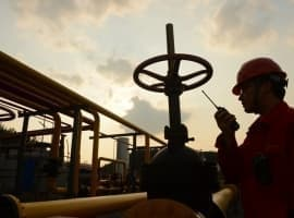 All Eyes On China As Oil Demand Dwindles