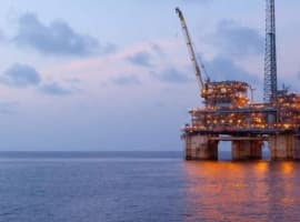 Oil Slips Despite Major Gulf Of Mexico Production Outage