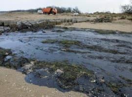 Oil spill black sea