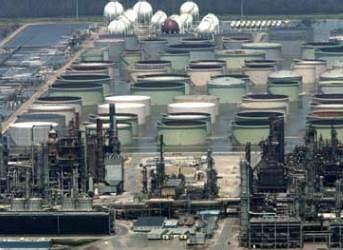 Soros Promotes Oil Sales to Punish Putin