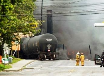 Rail v. Pipelines: No Safe Bet for Oil