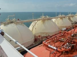 LNG Traders Look To Make Huge Profits Using 'Idle Tankers'