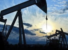 U.S. Oil Rig Count Falls As Prices Falter