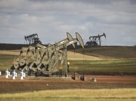 Bearish Inventory Report Sends Oil Prices Lower