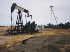 Wood Mac: Venezuela's Oil Output To Fall Below 1 Million Bpd