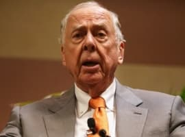 T. Boone Pickens Shuts Down Oil Hedge Fund