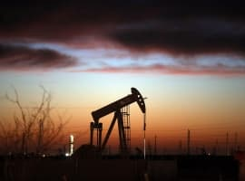 Smart Money Is Piling Into Oil
