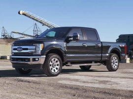 Forget EVs, Detroit's Big 3 Battle For Heavy-Duty Truck Segment
