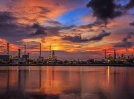 Ballooning U.S. Crude Stocks Cap Oil Prices