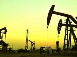 Oil Inch Higher On Strong Crude Draw