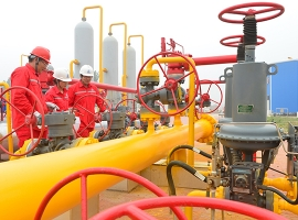 China's Natural Gas Imports Soar Despite Domestic Output Growth