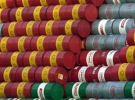 Chinese Crude Inventories Fall For First Time In 12 Months