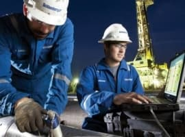 Schlumberger Won't Take New Full-Oilfield Management Projects