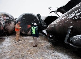 Oil Sector Covers Its Assets With Bakken Rail Study