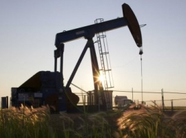 Oil Prices Rise As Rig Count Sees Minor Dip