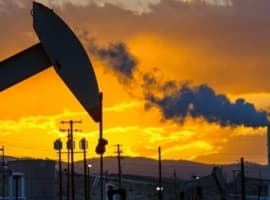 Oil Prices Edge Up Ahead Of Crude Inventory Reports