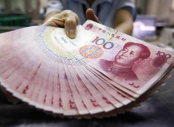 Iran could Avoid Economic Blow of US Sanctions by Accepting Chinese Yuan