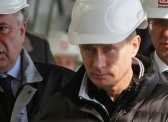 Putin's Dilemma: To Sell Or To Nationalize Oil Assets