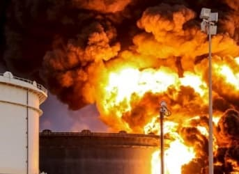 Saudi Air Strikes on Yemeni Oil Port; ISIS Attacks Libyan Oil Port
