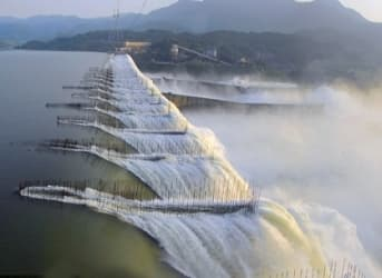 Burma, Emerging from International Isolation, Pursues Major Hydroelectric Plans