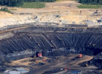 Low Oil Prices Not Enough To Kill Off Oil Sands, Yet