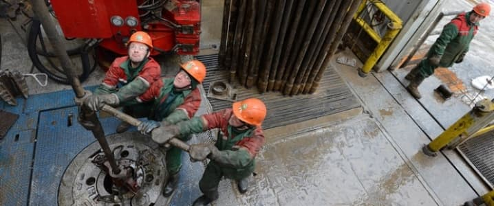Russian oil workers