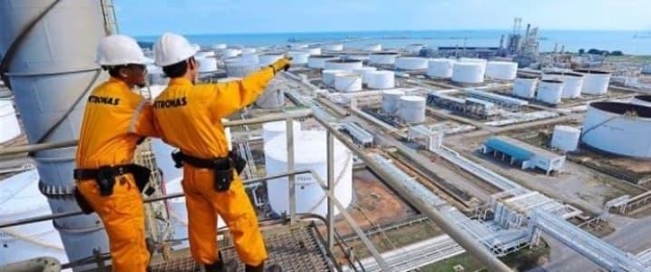 Petronas workers