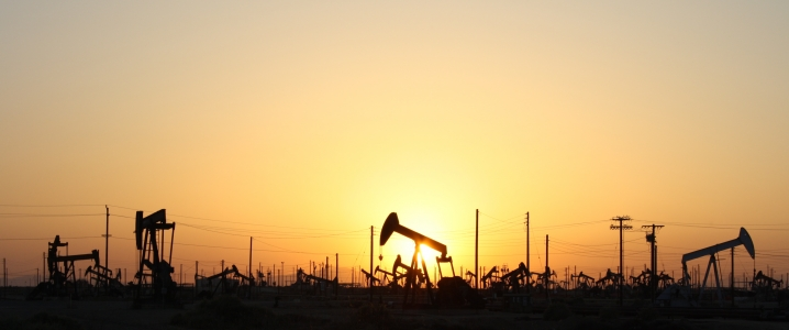 Oil Prices Tumble As Iran Sanctions Set In