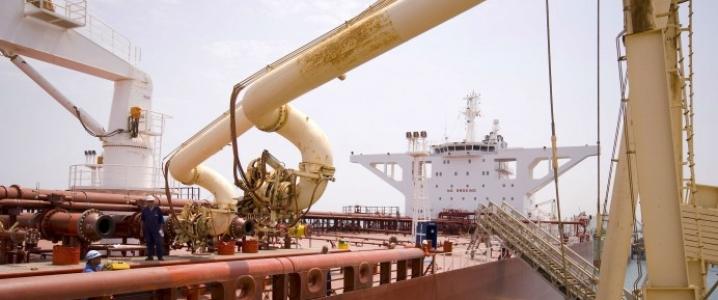 oil tanker loading