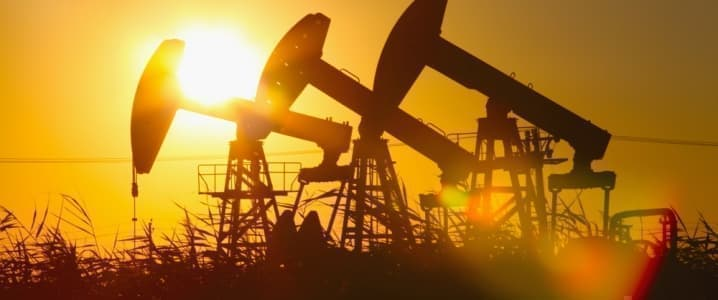 Oil Sinks Economic Data