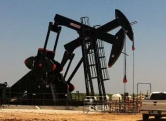 Decline In U.S. Oil Production Accelerates