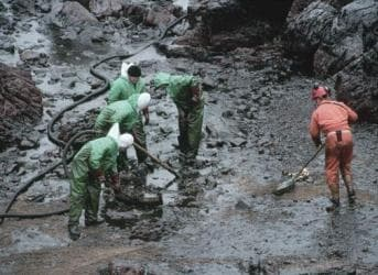 The Horrifying Effects of a Canadian Tar Sands Oil Spill
