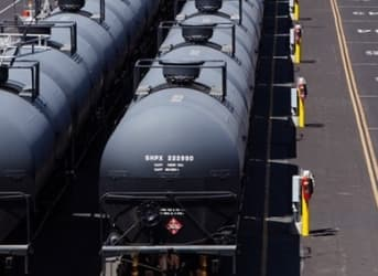 Rail Companies Slammed By Oil Downturn