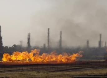 Who Is Buying The Islamic State's Illegal Oil?