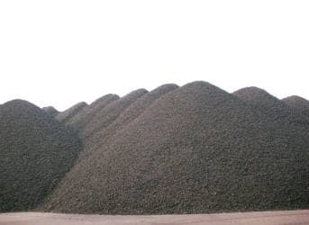 Rising Slag Heaps of Petcoke in Midwest Arouse Environmental Concerns