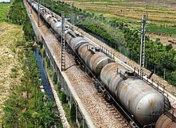 Rail and Pipelines Merge in Oil Transit Bonanza