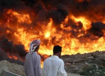ISIS Burn Iraqi Oil Fields To Hold Off Iraqi Offensive