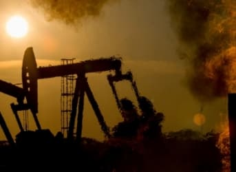 Oil Plunges As Iran Shuns Production Freeze