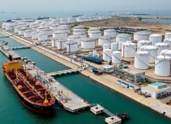 Oman Offers to Slash Oil Production If OPEC Follows Suit
