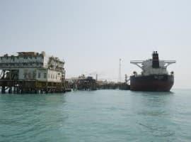 Price Collapse Halves Iraq's Oil Revenues