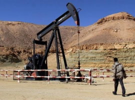 Libya's Large Shut-in Oil Field Faces Possible Rival Clashes