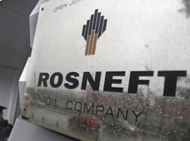 Rosneft To Sell Oil Products In Euros To Avoid Possible New U.S. Sanctions