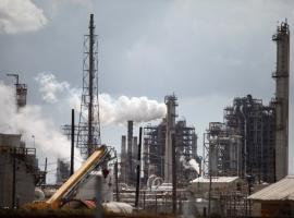 Shell's Louisiana Refinery Temporarily Halts Gasoline Production