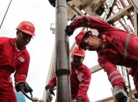 Venezuela Mixes Heavy With Light Crude As Imports Slump