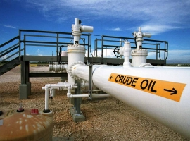 Oil Slumps After API Reports Surprise Crude Build