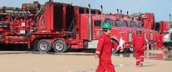 Halliburton fracking crew