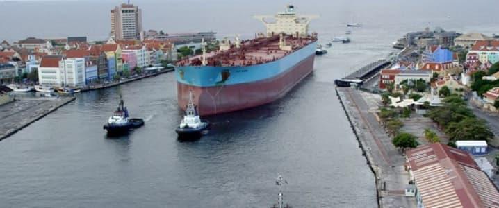 Curacao oil tanker